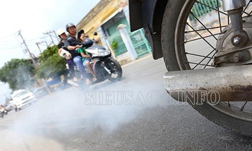 Hiện tượng hở bạc xe máy có biểu hiện là xe phụt khói trắng khi lưu thông