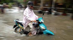 Xe máy bị ngập nước có thể bị hư hỏng, chập cháy