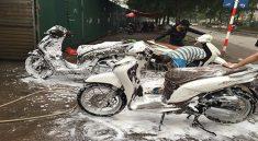 Dụng cụ rửa xe máy