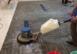 Giặt thảm văn phòng bằng máy chà sàn
