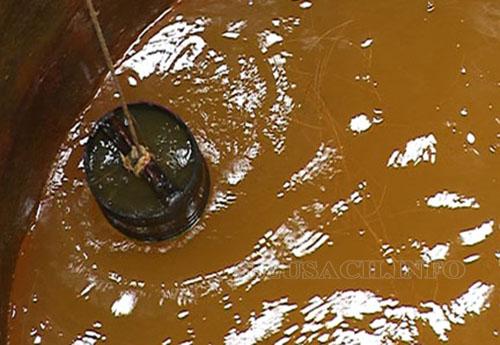 Không sử dụng nước giếng vẩn đục, nhiễm phèn rửa xe