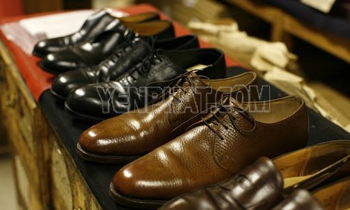 Sử dụng máy đánh giày để làm sạch