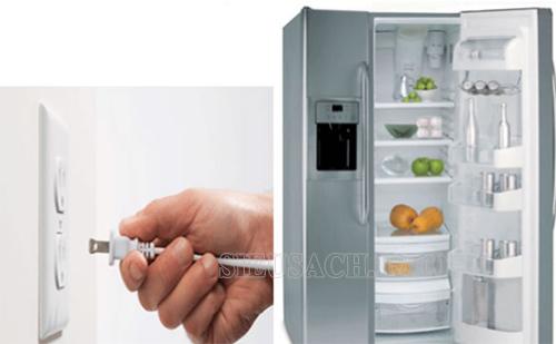 Trước khi lau dọn tủ lạnh bạn cần ngắt nguồn điện áp