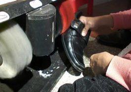 máy đánh giày không lấy được xi