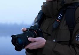 chiếc máy ảnh Alpha7R III tới từ Sony