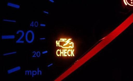Hiện tượng đèn check engine báo sáng