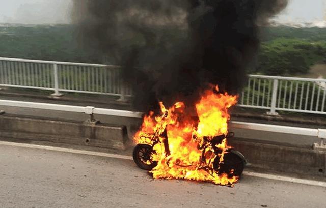 Nhiều trường hợp xe điện bị cháy, nổ khi đang lưu thông