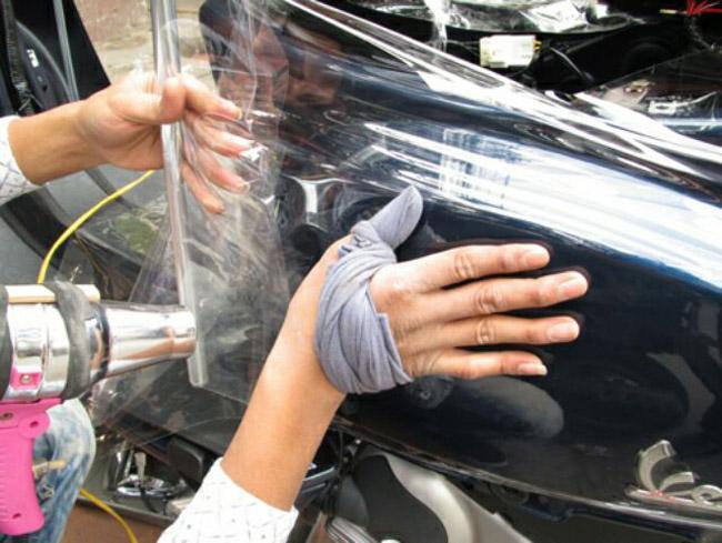 Độ bóng lớn với khả năng bảo vệ tốt bề mặt sơn xe