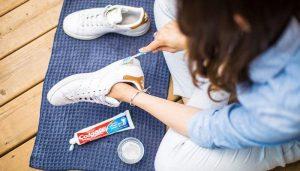 Kem đánh răng – một dụng cụ không thể thiếu khi sở hữu những đôi giày