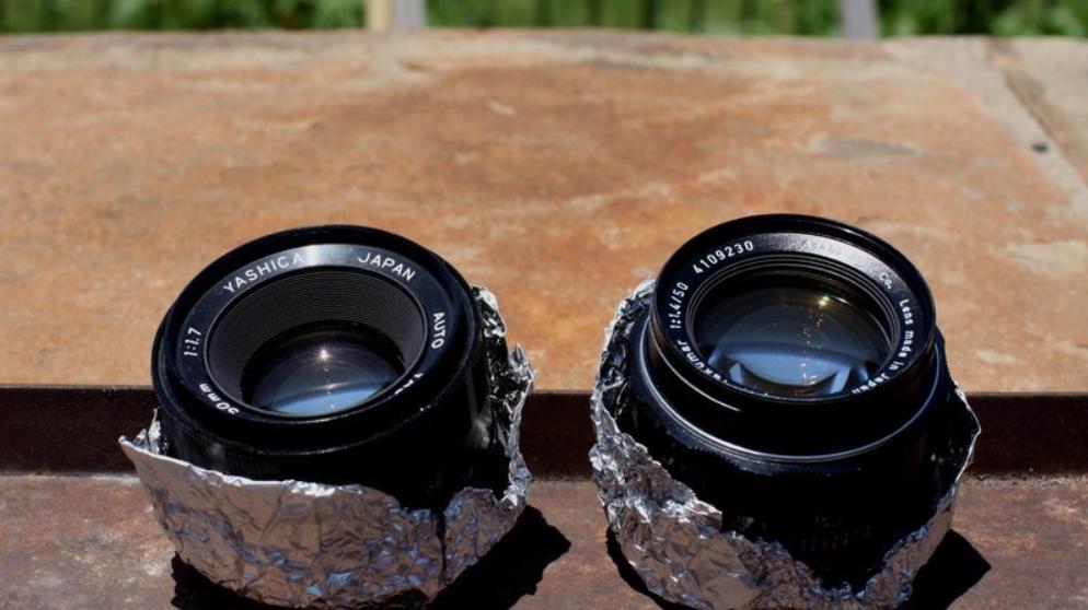 Phơi ống kính máy ảnh dưới ánh nắng mặt trời