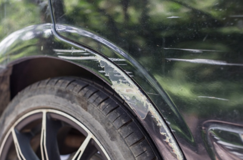 Cách khắc phục và xử lý xe ô tô bị trầy xước nặng