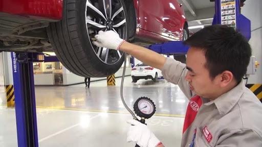 Bảo dưỡng lốp xe, kiểm tra áp suất lốp