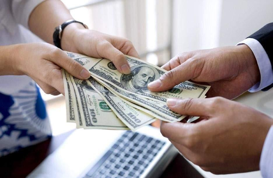 Vay tiền theo bảng lương nhận tiền mặt