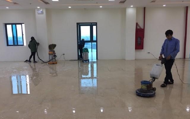 Sử dụng máy chà sàn công nghiệp để quá trình vệ sinh diễn ra nhanh chóng hơn