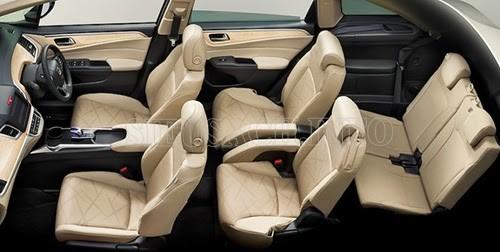 Thiết kế sang trọng với hàng ghế thứ 3 có thể gấp gọn để chứa đồ siêu tiện dụng