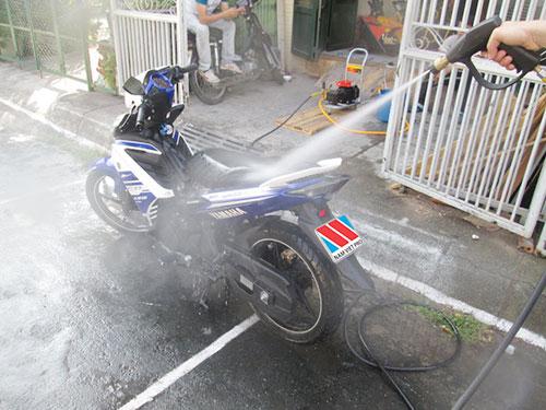 Khi máy rửa xe bị kêu to thì phải làm sao