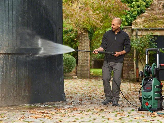 Máy xịt rửa xe Bosch
