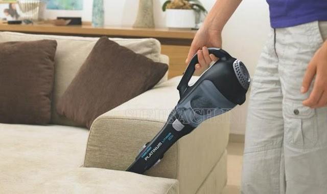 Máy hút bụi cầm tay làm sạch sofa tiện dụng
