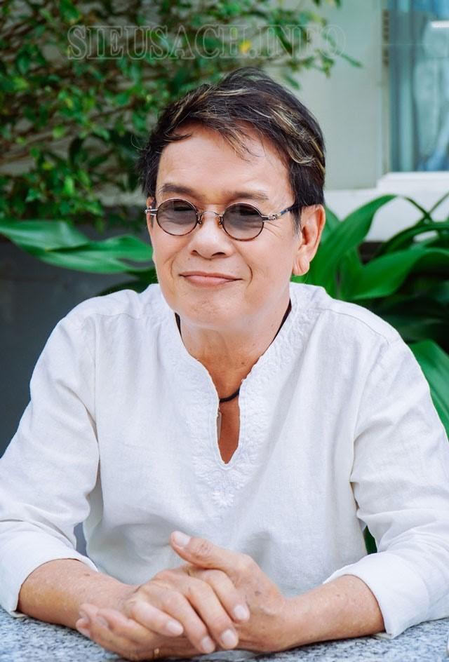 Nhạc sĩ Đức Huy sau nhiều năm ở nước ngoài đã trở về Việt Nam